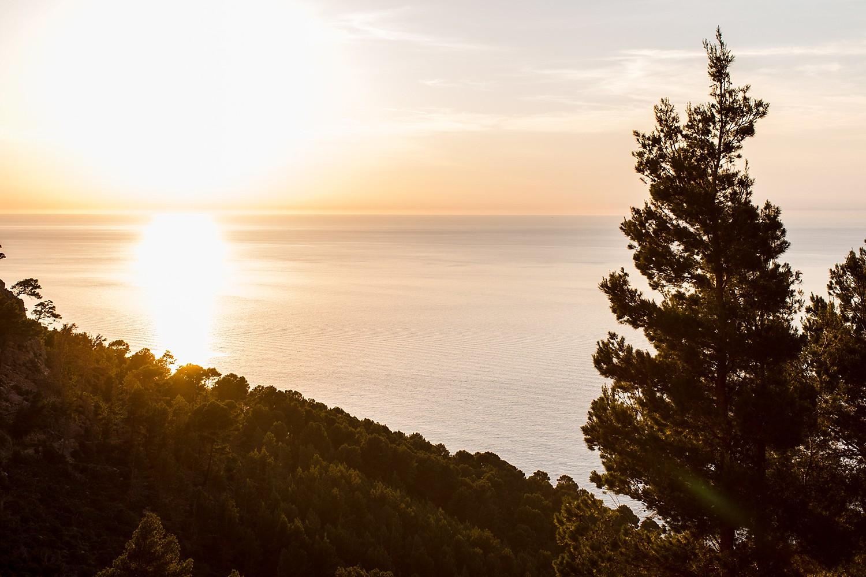 Sunset photoshoot in the Serra de Tramuntana, Mallorca