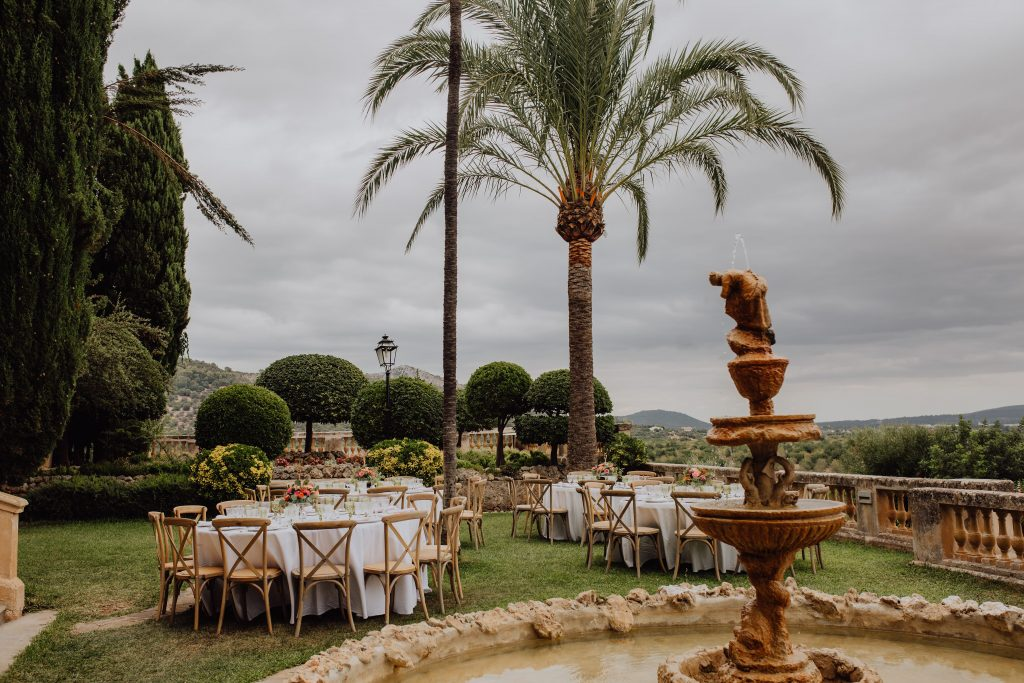 Photo of the dinner set up in the grounds of Son Tugores