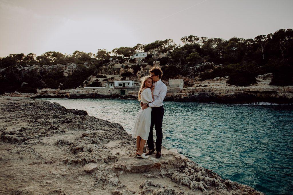 Mallorca engagement photographer Cala Lombards Santanyi
